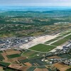 Landesflughafen aus der Vogelperspektive - Luftbildposter STR gratis lieferbar