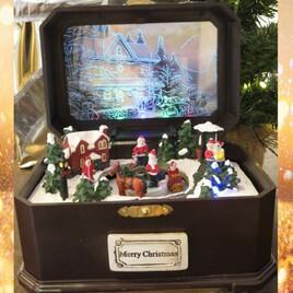 Weihnachtsspieluhr animiert (in Truhe)