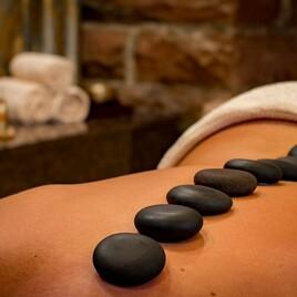 Verwöhn-Wellness-Stone-Massage für die Frau - 60 Minuten
