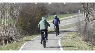 Radweg Echterdingen–Bernhausen wird saniert. Neuer Belag und leichtere Querung