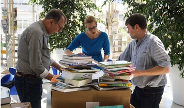 Konrad-Kohlhammer-Stiftung spendet Bücher