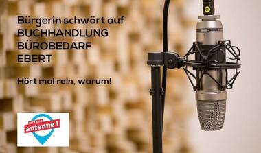 Bürgerin schwört auf Buchhandlung Ebert in Echterdingen (Radiobeitrag Antenne1)