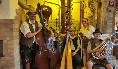 Wirtshausmusik in der Schwedenscheuer - Benni-Herd-Trio bei schwäbischen Spezialitäten