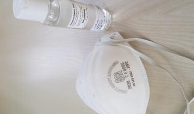 Händedesinfektionsmittel und Masken verfügbar!