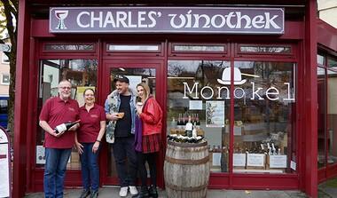 Kaffee und Wein? Das klingt fein! Shop-in-Shop: Charles' Vinothek und Monokel