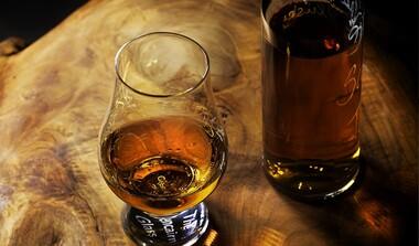 Rum-Seminar: 8 Sorten und Infos zu Herstellung, Lagerung, Geschmack