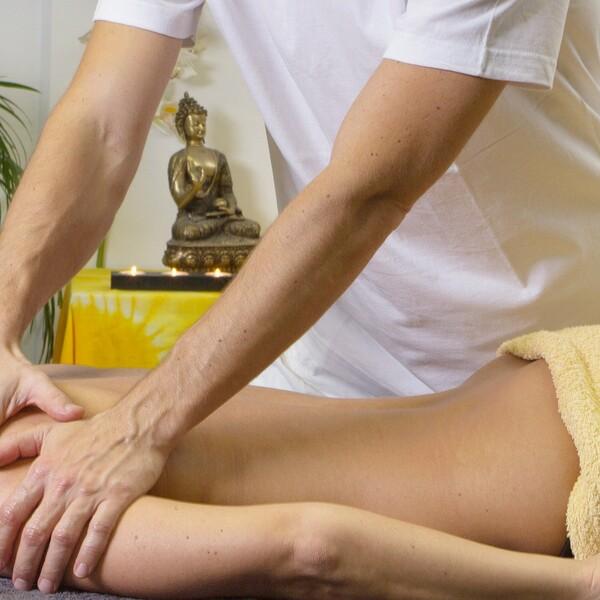 Hawaiianische Lomi Lomi Massage für die Frau - 60 Minuten