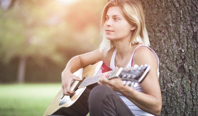 Finde Dein Instrument: Gitarren spielen lernen