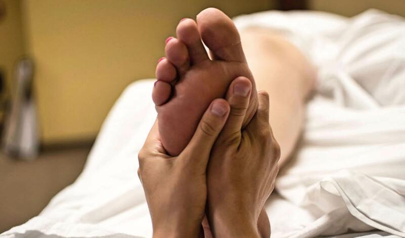 Herbst-Angebot: med. Fußpflege inkl. Fußbad + Fußmassage