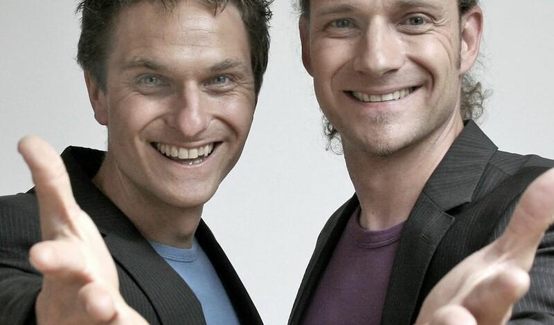 """Weltklasse Zauberkunst im Doppelpack: JUNGE JUNGE mit """"Hut ab!"""""""