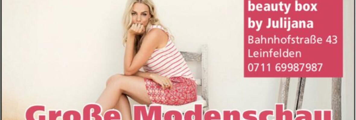 Große Modenschau Müller Parfümerie + Mode