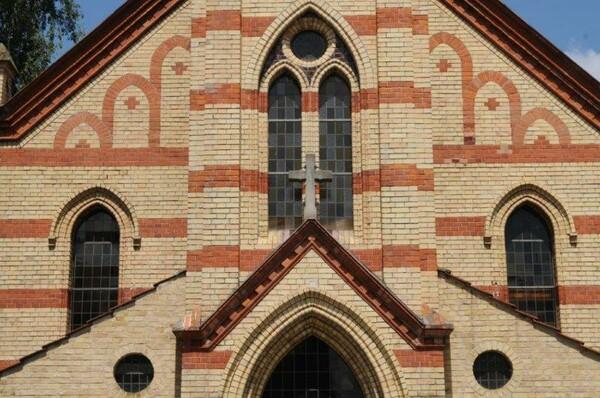 Peter-und-Paul-Kirche - Kirchstr. 14