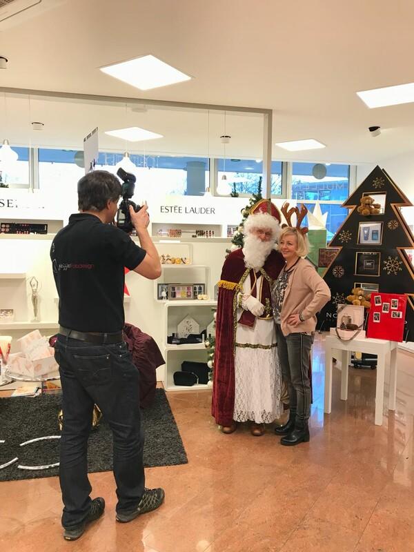Fototermin mit dem Weihnachtsmann